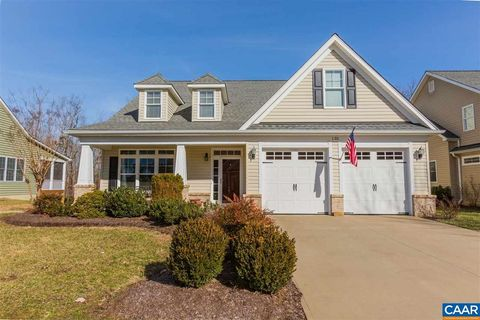 Photo of 135 Tulip Dr, Palmyra, VA 22963