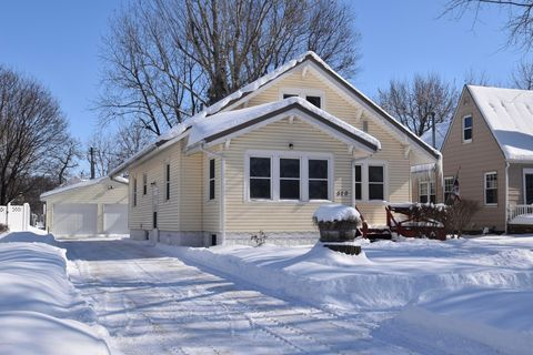 Photo of 510 4th Ave, Sibley, IA 51249