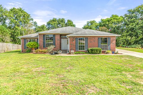 Photo of 318 Peggy Dr, Crestview, FL 32536