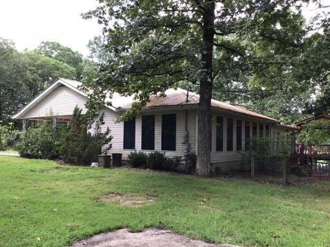 110 Hillview Dr, Linden, TN 37096