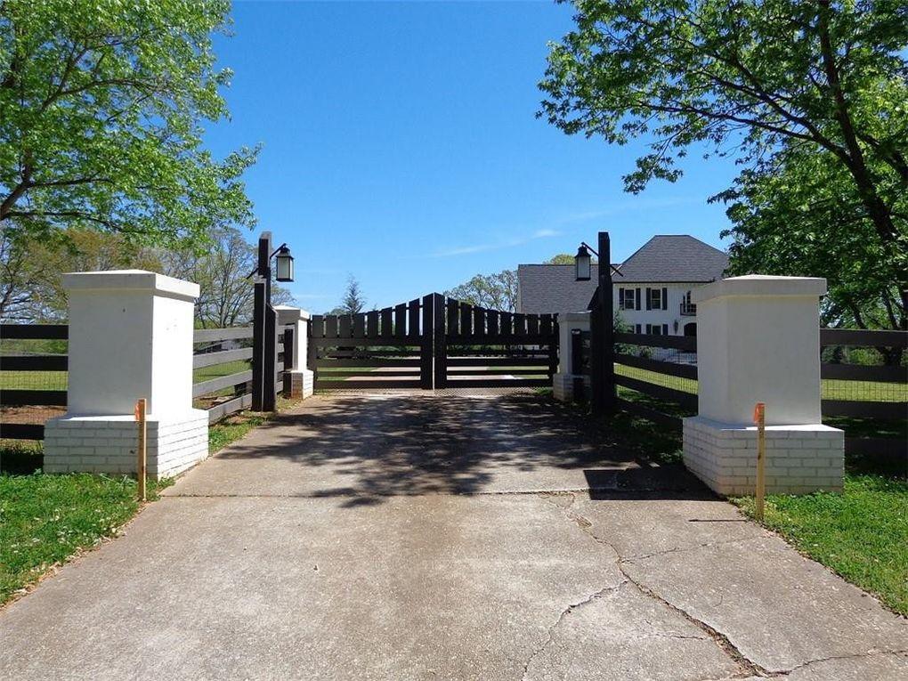 11 Whitehead Rd, Sugar Hill, GA 30518