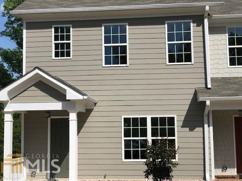 Photo of 1475 Bluff Valley Cir, Gainesville, GA 30504