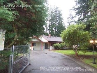 Photo of 12413 Alexander Rd Unit A, Everett, WA 98204
