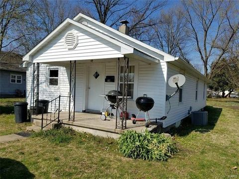 Photo of 327 Wright Ave, Chaffee, MO 63740