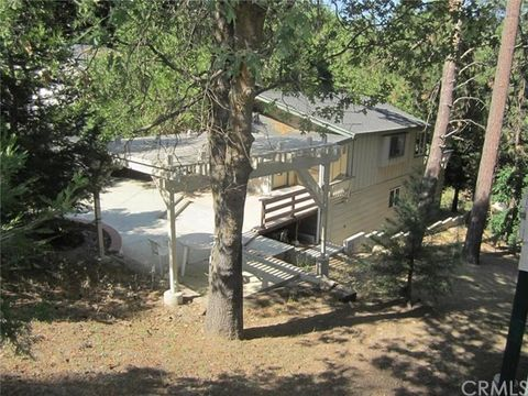 31149 All View Dr, Running Springs Area, CA 92382