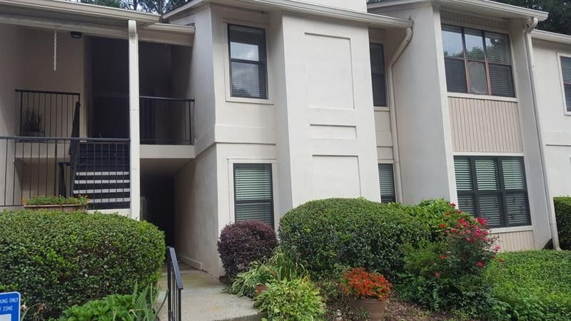 2520 Huntingdon Chase, Sandy Springs, GA 30350