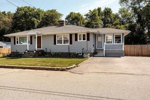 153 Fetherston Ave, Lowell, MA 01852