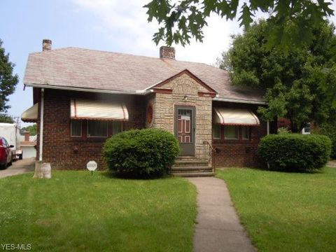 Photo of 3563 West Blvd, Cleveland, OH 44111