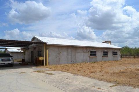 Photo of 163 Risinger Ln, Carrizo Springs, TX 78834