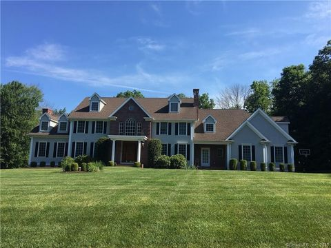 3 Elderslie Ln, Woodbridge, CT 06525
