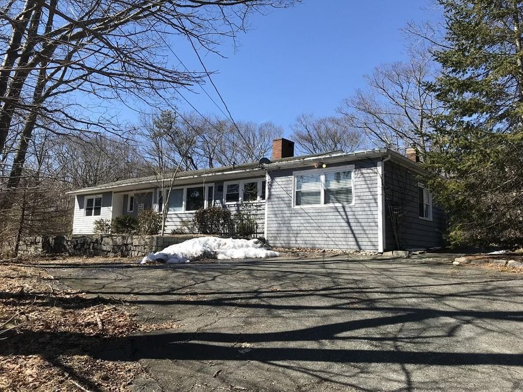 126 South St, Rockport, MA 01966