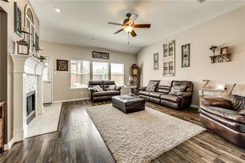 Photo of 1018 Camp Verde Dr, Forney, TX 75126