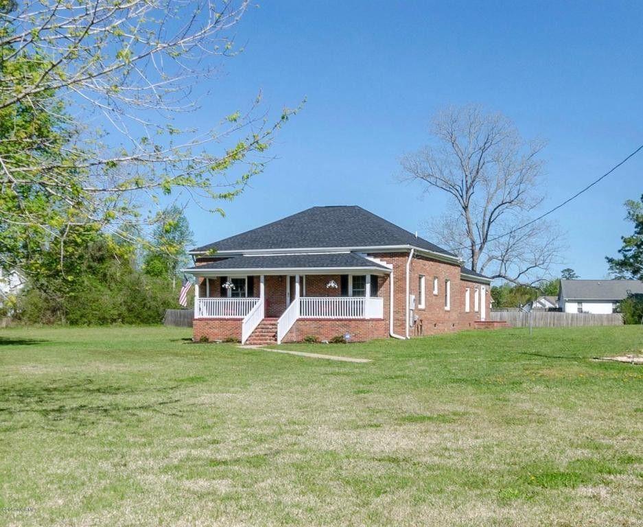 2300 Dawson Cabin Rd, Jacksonville, NC 28540