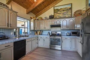 4301 Tims Rd, Santa Ynez, CA 93460   Kitchen