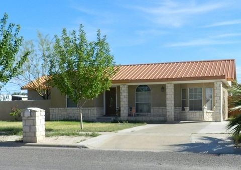 Photo of 709 W 11th St, Fort Stockton, TX 79735
