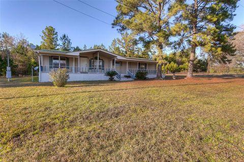 Photo of 23 Pine Knot Sq, Huntsville, TX 77320