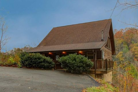 909 Grey Fox Trl, Gatlinburg, TN 37738