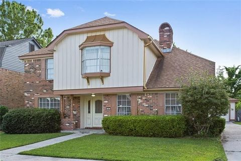 Photo of 33 Park Timbers Dr, New Orleans, LA 70131