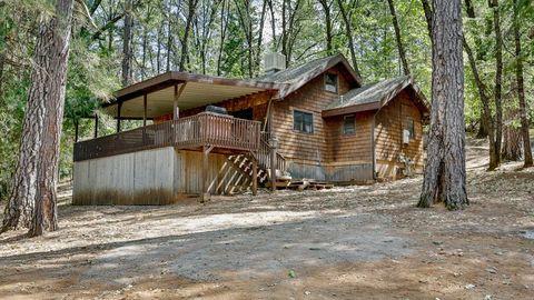 18825 Cabin 20 Lower Salt Creek Rd, Lakehead, CA 96051