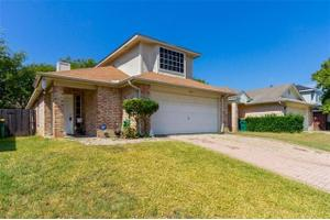 365 uptown blvd cedar hill tx 75104 for Majestic homes bryan tx