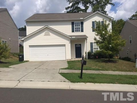 Photo of 705 Weeping Willow Dr, Durham, NC 27704