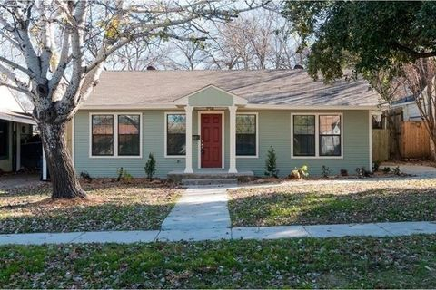 Photo of 2917 Ryan Ave, Fort Worth, TX 76110