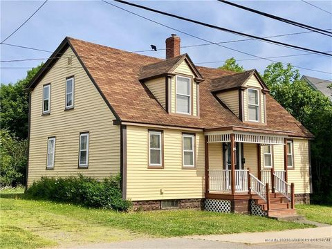 Photo of 47 High St, Eastport, ME 04631
