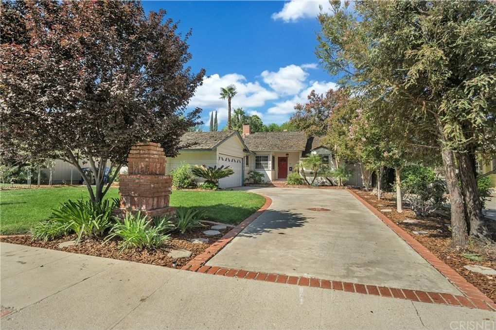 5715 Cahill Ave Tarzana, CA 91356