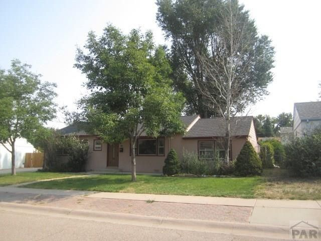 906 Alexander Cir, Pueblo, CO 81001