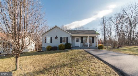 Photo of 400 N Forrest St, Ranson, WV 25438