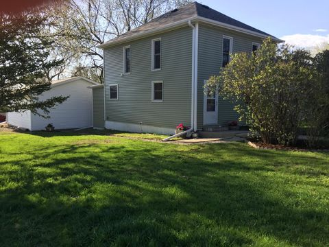 Photo of 410 College Ave N, Wessington Springs, SD 57382