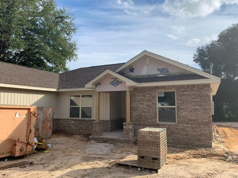Photo of 2904 Ne 2nd Ave, Crestview, FL 32539