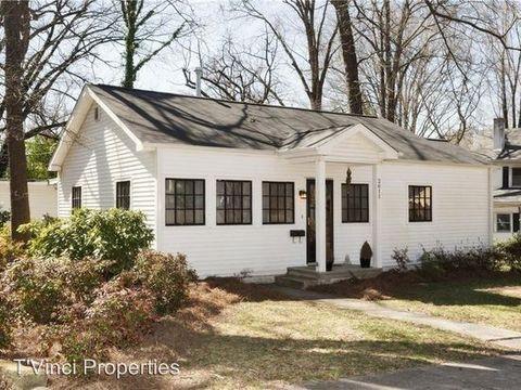 Photo of 2611 Sherwood St, Greensboro, NC 27403
