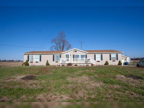 376 N County Road 650 N, Norris City, IL 62869