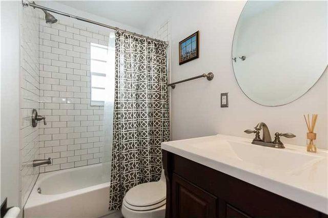 7534 Ne 6th Ct, Miami, FL 33138 - Bathroom