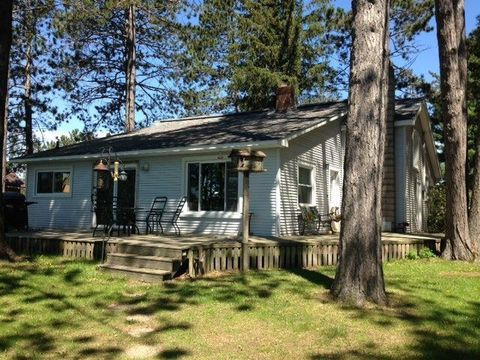 143 E Johnson Lake Rd, Gwinn, MI 49841