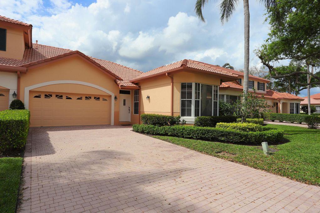 65 Monterey Pointe Dr, Palm Beach Gardens, FL 33418