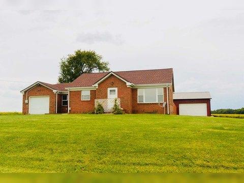 215 S Cramer Rd, Trivoli, IL 61569