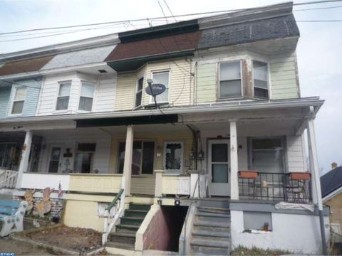 1011 W Willow St, Coal Township, PA 17866