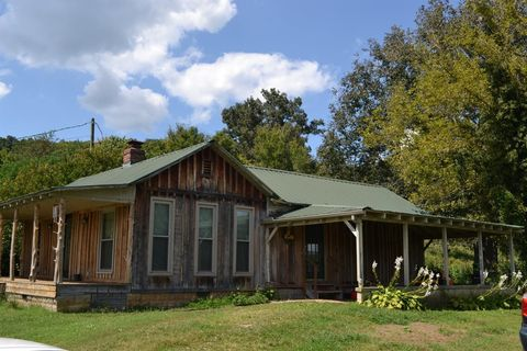 Photo of 80 Taylor Rd, Flat Lick, KY 40935