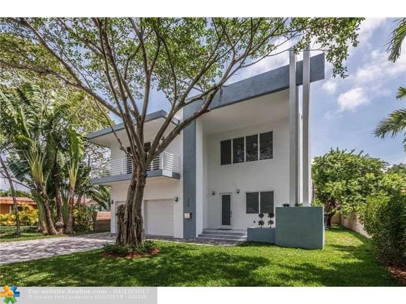 220 S Melrose Dr, Miami Springs, FL 33166