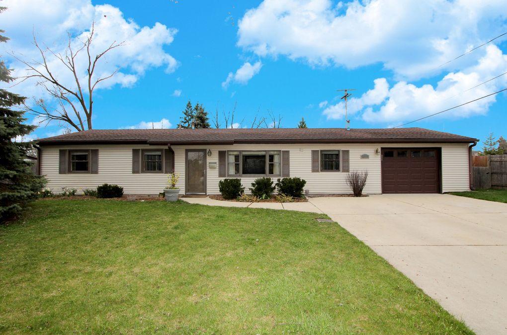 615 Orton Ave Wauconda, IL 60084