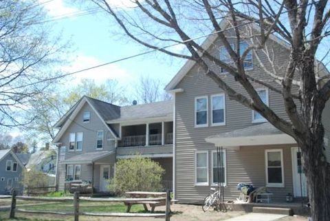 4 Bayley Ave Apt C, Plymouth, NH 03264