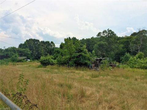 609 Pompano Dr, Greensboro, NC 27410