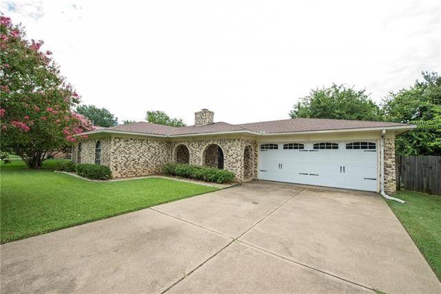 8704 Irongate Dr North Richland Hills, TX 76182