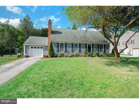 608 Valley View Rd, Ardmore, PA 19003