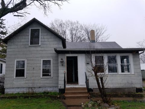 Photo of 416 Cleveland Ave, Michigan City, IN 46360