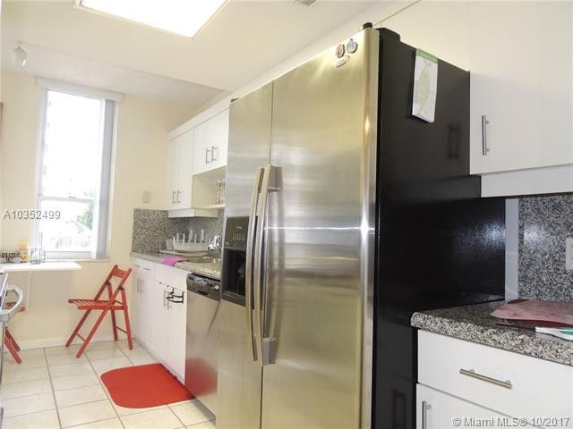 701 Brickell Key Blvd Apt 604, Miami, FL 33131