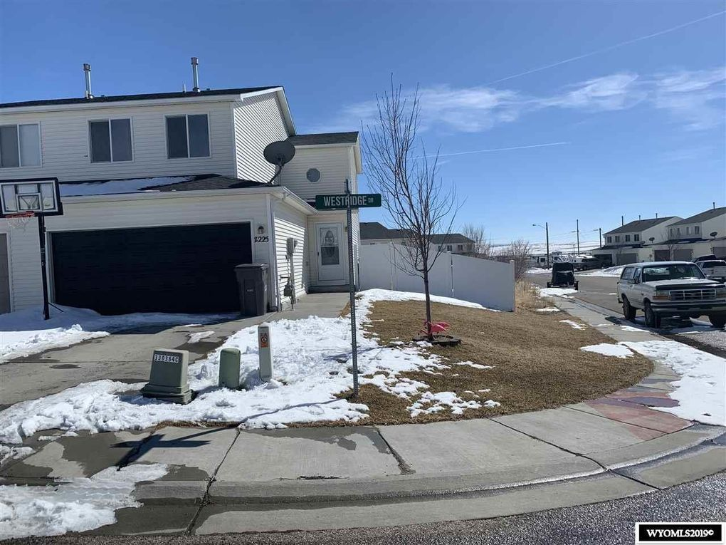 2225 Westridge Dr, Rock Springs, WY 82901