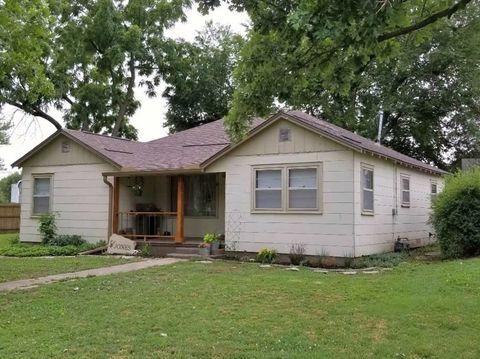 723 Oak St, Burden, KS 67019